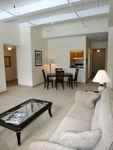 KBL Rentals Cambridge living area