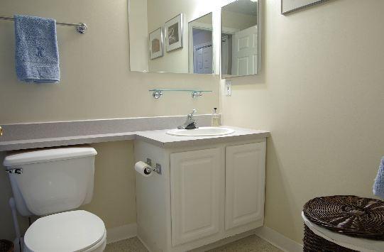 Charles River Park bathroom