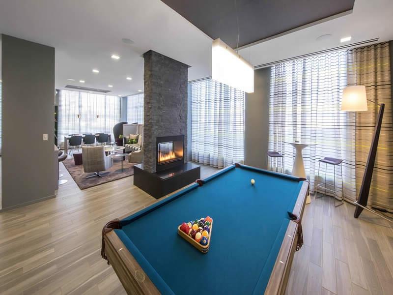 Zinc pool table