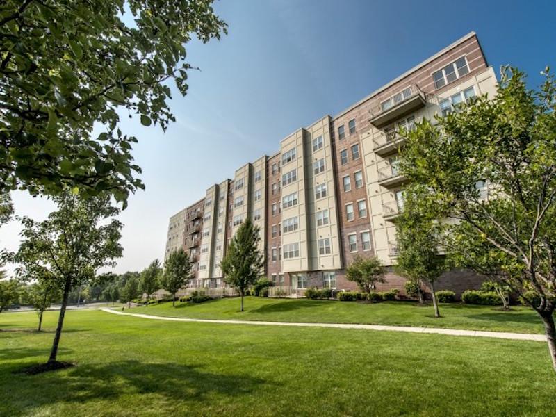 Quarrystone at Overlook Ridge Luxury Apartment Building