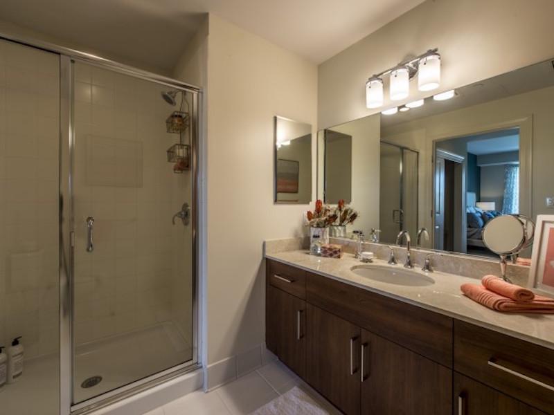 Quarrystone at Overlook Ridge bathroom