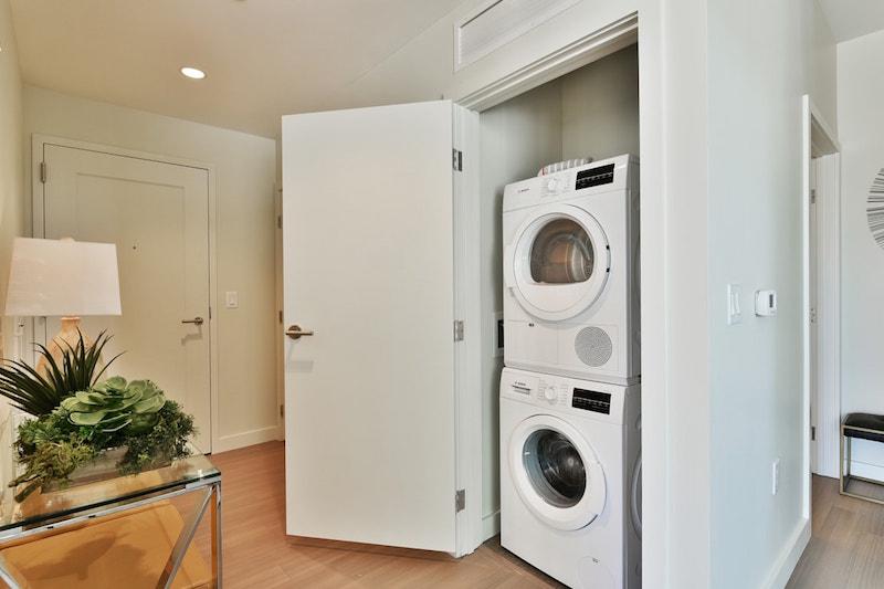 30 Dalton washer/dryer