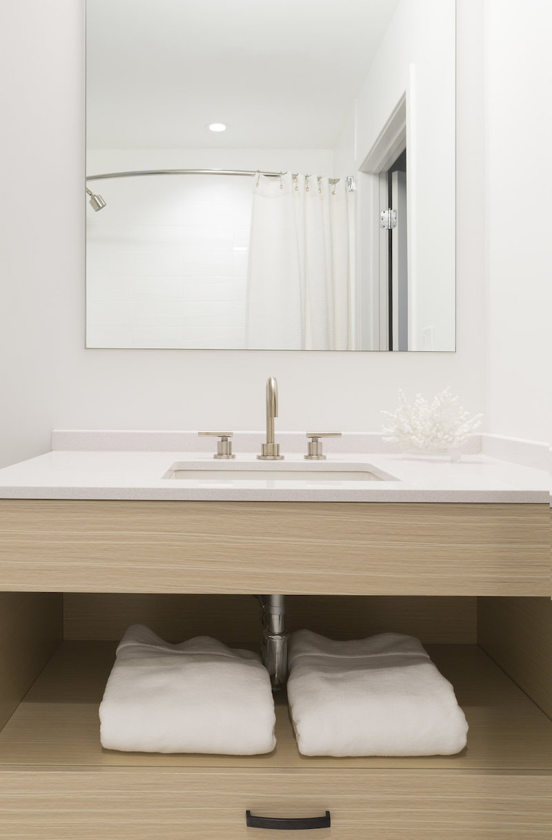 serenity luxury apartments bathroom