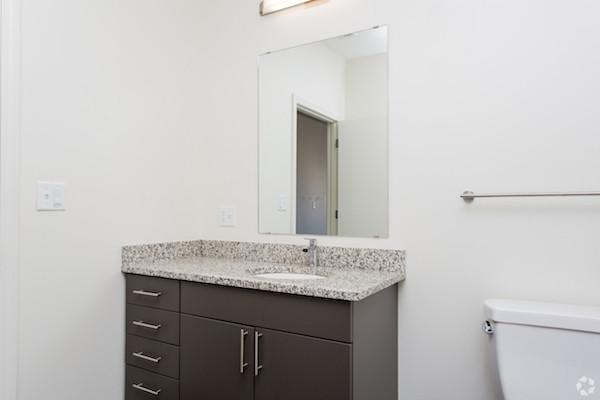 625 McGrath bathroom