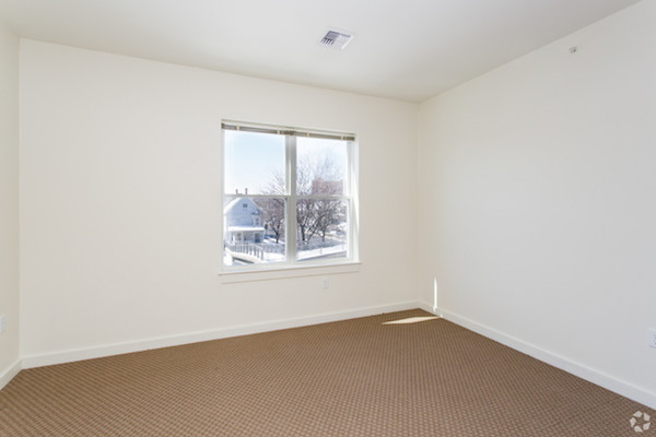 625 McGrath bedroom