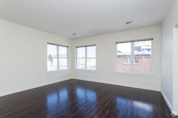 625 McGrath living room