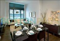 660 Washington living space