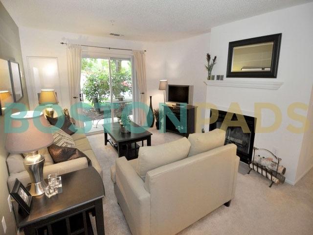 Avalon at Lexington Hills living room