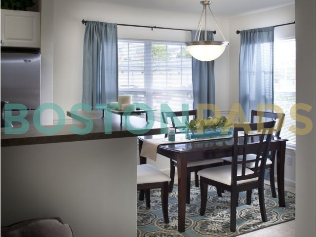 Residences at Stevens Pond dining room