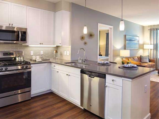 Avalon Quincy kitchen