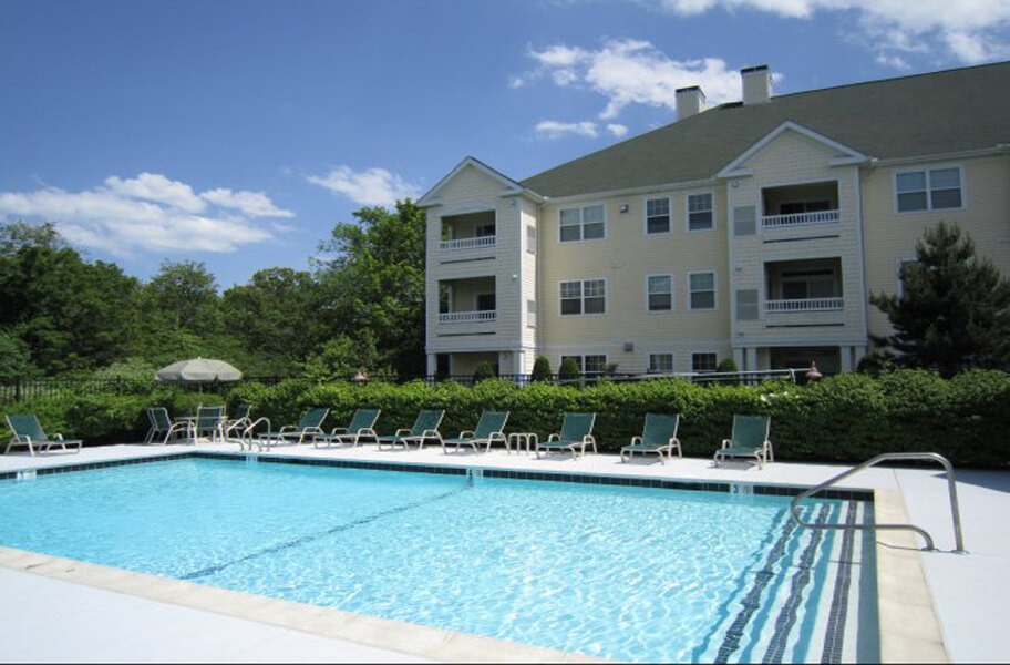 Hawthorne Commons Swimming Pool