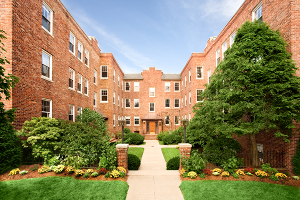 Hampton Court Apartments Brookline exterior
