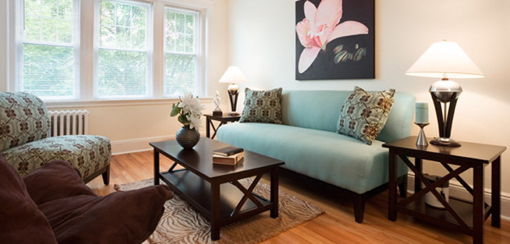 selkirk-place-apartments-brighton-ma-living room