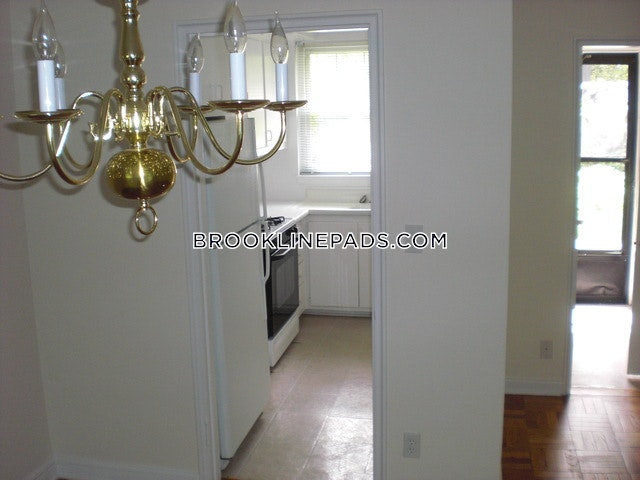2 Beds 1.5 Baths - Brookline - Chestnut Hill $2,260  - Brookline - Chestnut Hill $2,260 - Brookline - Chestnut Hill $2,430