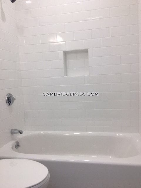 2 Beds 2 Baths - Cambridge - Harvard Square $4,995